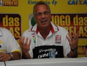 Socorrido rapidamente, técnico do Joinville não teve lesões neurológicas