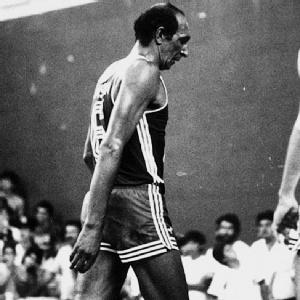 Após cinco tentativas, ex-jogador brasileiro Ubiratan é eleito para integrar o Hall da Fama do basquete