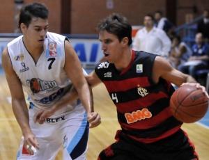 Jogo entre Flamengo e Sionista acabou paralisado por causa de goteiras no ginásio da Asceb