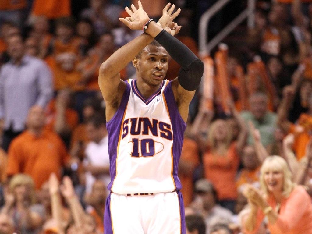 Leandrinho Barbosa brilha na vitória do Phoenix Suns, que empata a série final do Oeste contra o Los Angeles Lakers