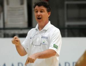 Técnico Rubén Magnano comandará o primeiro treino do Brasil em solo turco nesta quinta-feira
