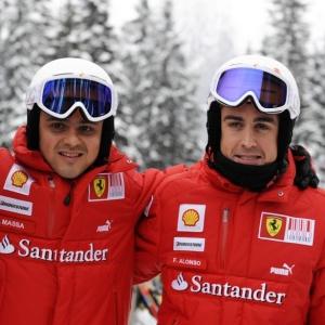 Massa e Alonso esquiam juntos em semana festiva da Ferrari; brasileiro será o primeiro a testar