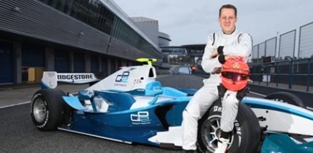 Schumacher testa com carro da GP2 no circuito de Jerez de la Frontera, na Espanha