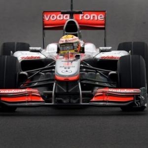Com a McLaren, Lewis Hamilton foi o mais rápido nos testes coletivos realizados em Barcelona