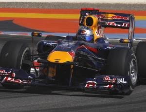 O carro mais próximo do chão daria vantagem à Red Bull na classificação, com pouca gasolina
