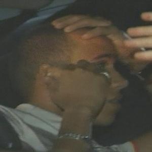 Lewis Hamilton lamenta após ser multado por dirigir em alta velocidade na Austrália