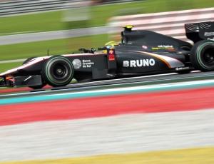 A equipe espera que Bruno Senna (f) e Karun Chandhok repitam o feito da Malásia na China