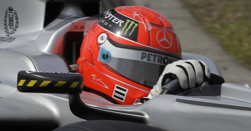 Michael Schumacher vê problemas de dirigibilidade da Mercedes em Xangai