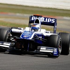 Rubens Barrichello voltou a ter um bom desempenho e comemorou a melhora do seu carro