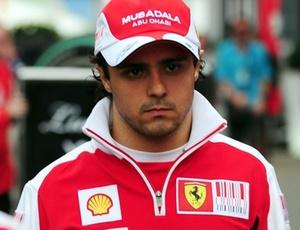 Fernando Alonso e Felipe Massa andam nos boxes do GP da Alemanha, palco da polêmica entre eles