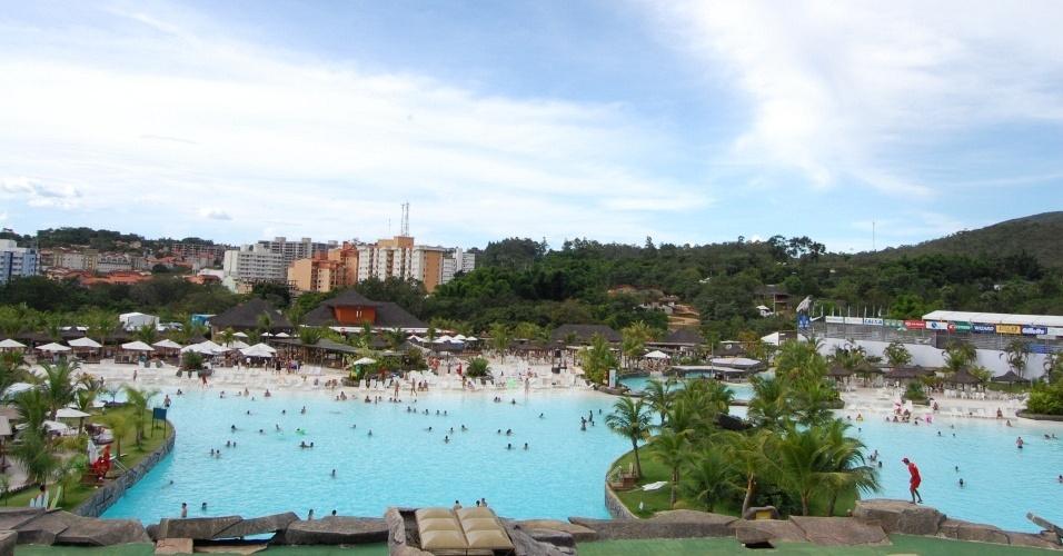 'Praia aquática' sediou a Copa Latina de Beach Soccer em Rio Quente (GO)