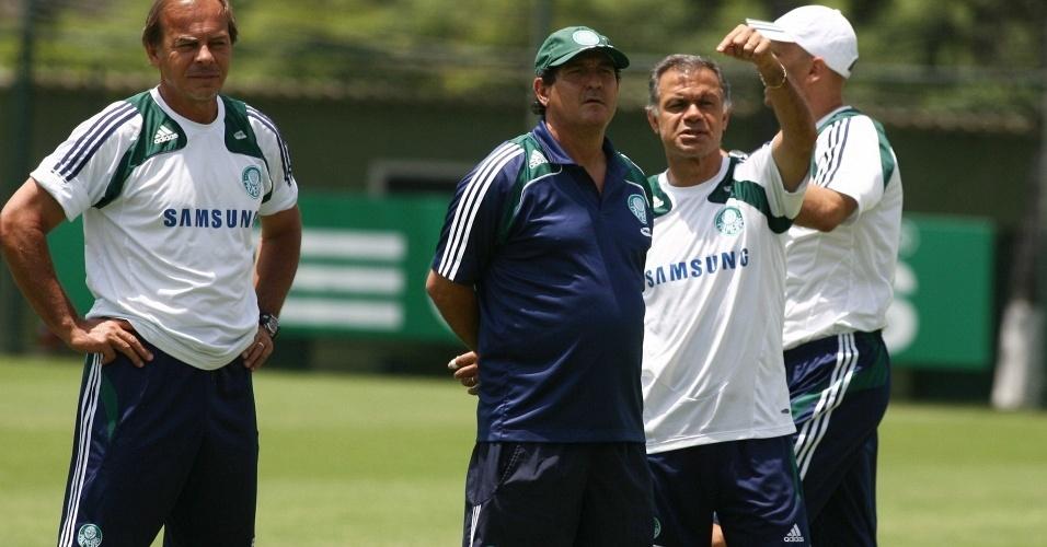 Muricy Ramalho e Jorginho conversam em treino do Palmeiras