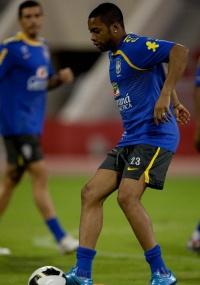 Robinho jamais se recusou a defender a seleção na era-Dunga.