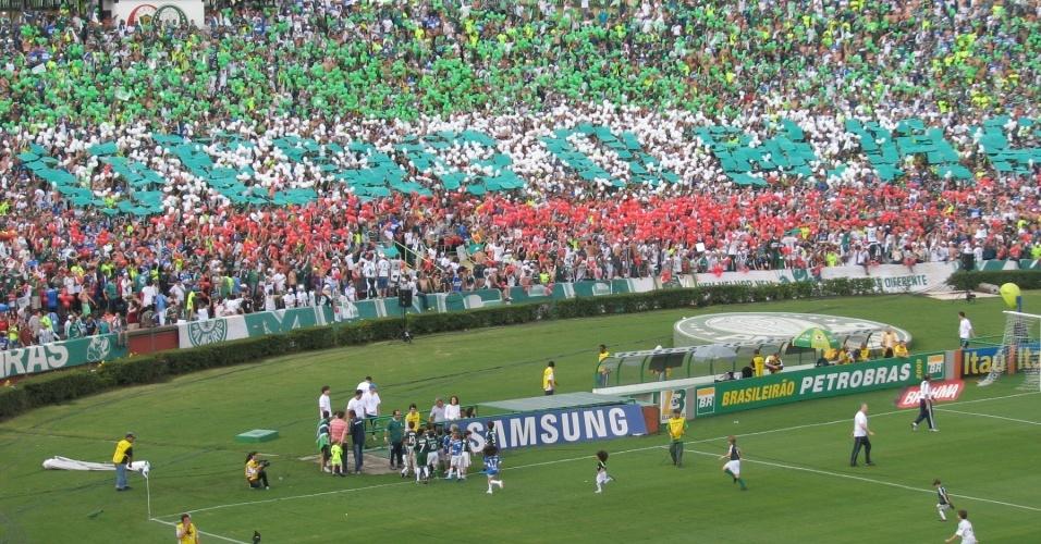 Torcida do Palmeiras protesta no Palestra