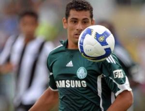 Palmeiras reverteu punição a Diego Souza e contará com o meia em jogos iniciais do Paulista