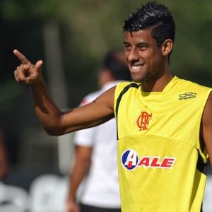 Lateral-direito Leonardo Moura foi escolhido para ser o novo capitão do Fla na sequência do BR-10