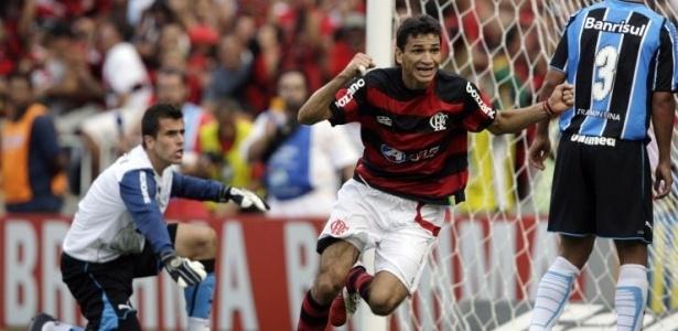 Angelim marcou o gol que deu ao Fla o hexacampeonato em 2009 - Reuters/Sergio Moraes