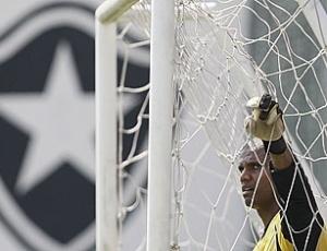 Jefferson durante treino do Botafogo