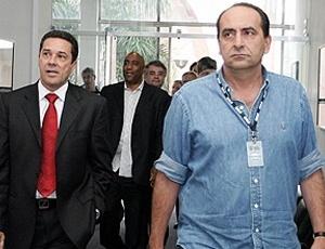 Kalil (d) segue confiante no trabalho de Vanderlei Luxemburgo (e) para a disputa do Brasileirão