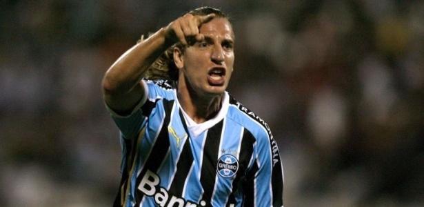 Maxi López marcou contra o Inter e fez Grêmio procurar ressarcimento na Fifa - AFP/Ernesto Benavides