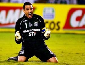 Fábio Costa comemora vitória do Santos