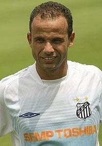 Léo foi comandando por Luxa em duas das três passagens do treinador pelo Santos. A última delas foi na temporada passada