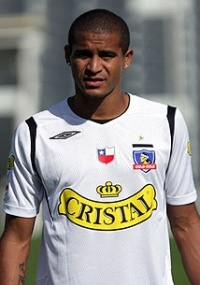 Cruzeiro demonstra interesse por meia colombiano Macnelly Torres