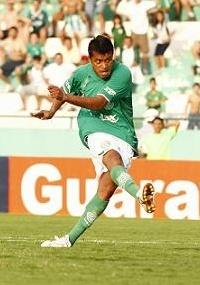 Na última temporada regular, Adriano defendeu o Guarani