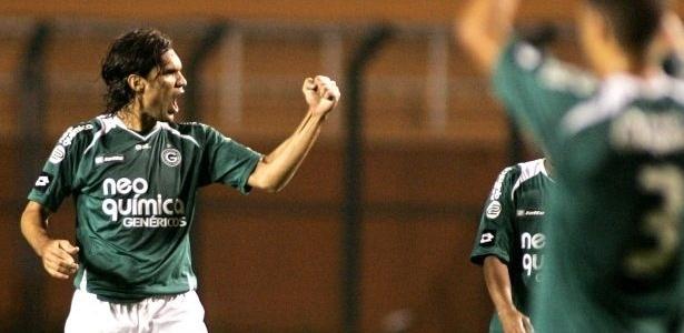 Fernandão do Goiás comemora gol marcado em cima do Corinthians no Pacaembu