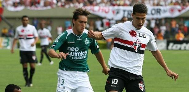 Rafael Tolói, zagueiro do Goiás