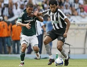 Meia Renato teve bons momentos no final da temporada 2009 com a camisa do Botafogo