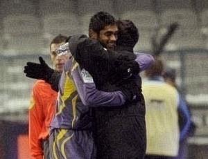 Luan, do Toulouse, comemora o único gol de sua equipe diante do Auxerre, no empate por 1 a 1