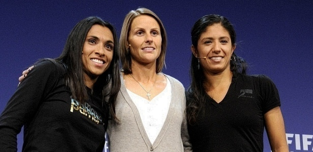 Kelly (c) concorreu com Marta e Cristiane ao prêmio de melhor do mundo
