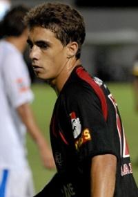 Diretoria do Atlético adquiriu 80% dos direitos de Neto Berola (f)