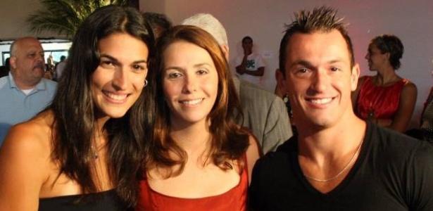 Patrícia Amorim (centro), com a ex-nadadora Mariana Brochado e o ginasta Diego Hypólito em evento do Flamengo