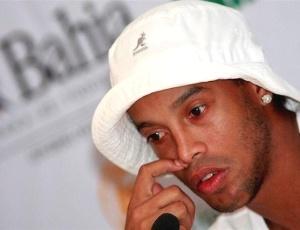 Ronaldinho Gaúcho concedeu breve entrevista coletiva antes de seu amistoso em Salvador