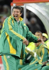 Joel Santana nao foi bem no comando da África do Sul