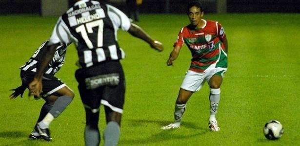 Marco Aurélio, lateral-esquerdo da Portuguesa