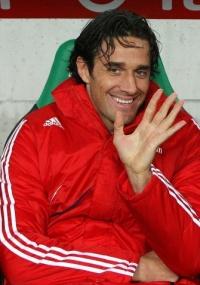 Luca Toni rescindiu seu contrato com o Bayern de Munique