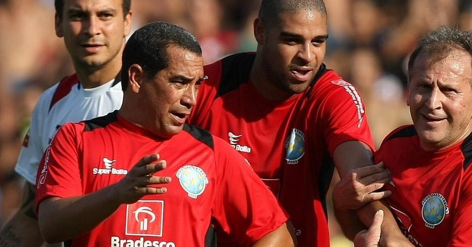 Zinho e Adriano participam de jogo festivo de Zico no Rio
