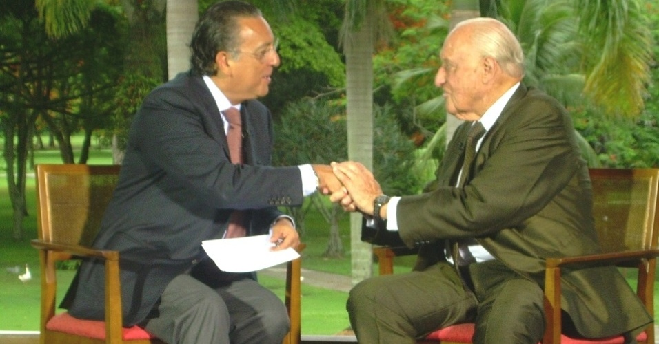 O ex-presidente da Fifa João Havelange é entrevistado por Galvão Bueno