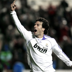 Sem oportunidade de jogar no Real Madrid, van Nistelrooy já é especulado no Liverpool