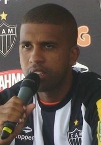 Leandro diz que jogar perto da torcida atleticana é sempre bom