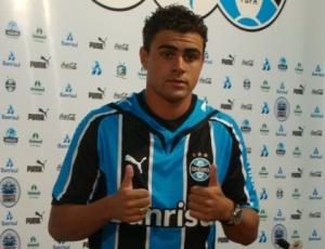 Maurício foi apresentado no Grêmio no início do ano mas, pouco aproveitado, optou por deixar o clube