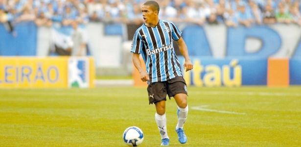 be9953f7deccc Douglas Costa diz que entregou jogo para prejudicar Inter em 2009 ...