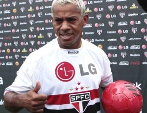 Marcelinho Paraíba (foto) e Léo Lima foram as novidades de Ricardo Gomes no esquema 4-4-2