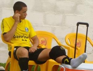 Roberson se lesionou na pré-temporada do Grêmio, foi emprestado no Juventude, e tem futuro incerto