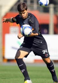 Lateral Diogo acertou novo vínculo com o São Paulo por cinco anos