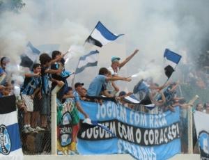 No sábado, cerca de 2 mil gremistas assistiram ao treinamento do time na cidade de Bento Gonçalves
