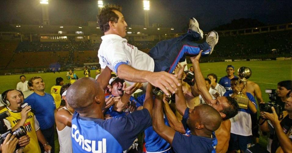 Muricy Ramalho é campeão paulista pelo São Caetano em 2004